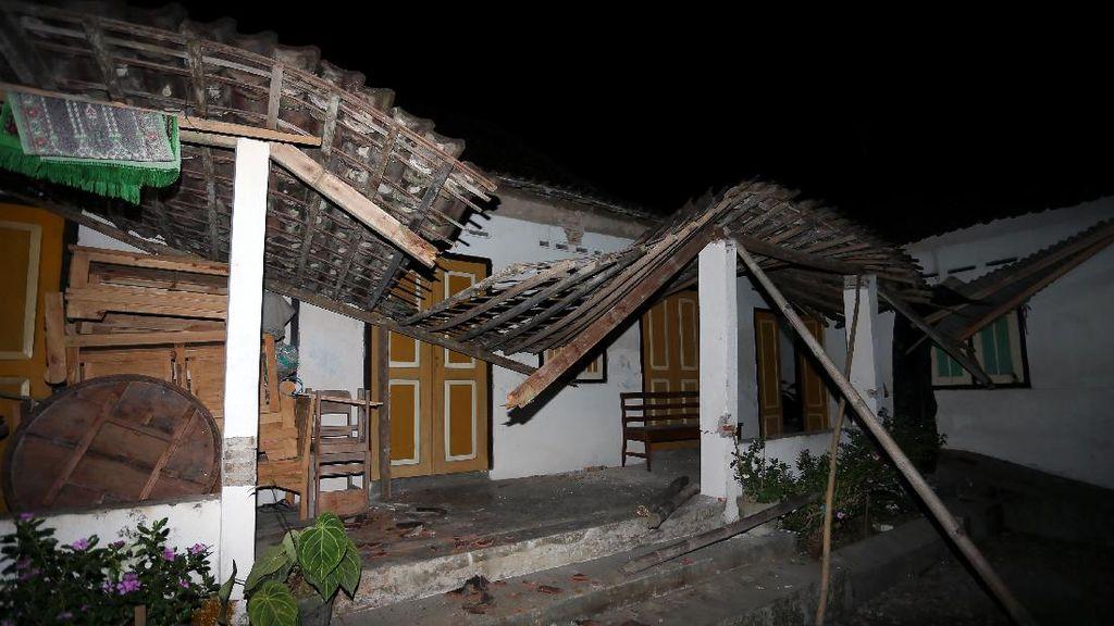 Melihat Lagi Dampak Kerusakan Gempa M 5,9 di Blitar