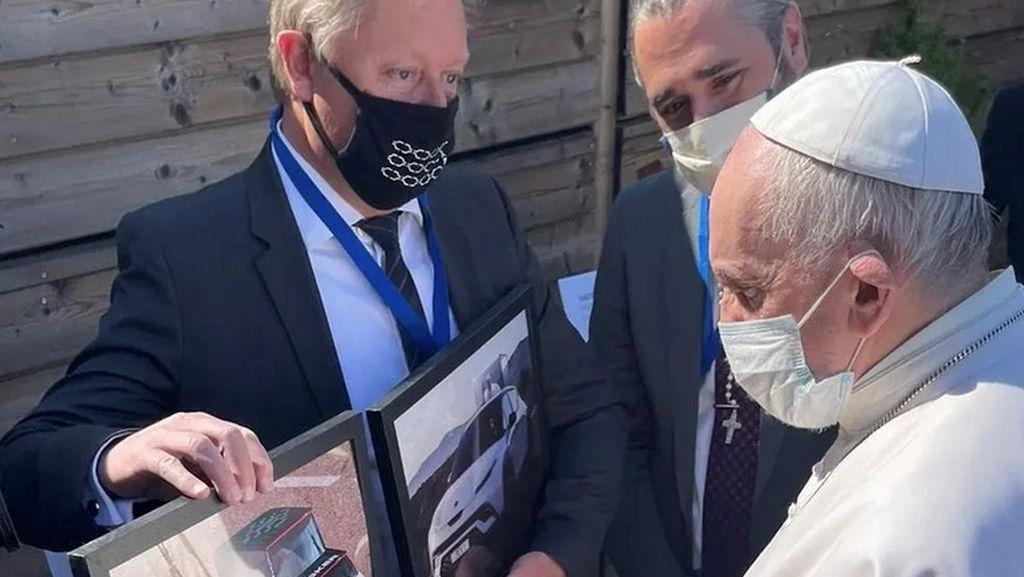 Wajah Mobil Listrik Khusus Paus Fransiskus, Keren Juga!