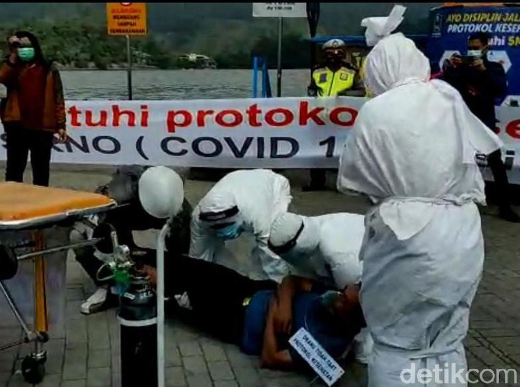 Pengunjung Telaga Sarangan Dikejutkan Pocong Korban COVID-19