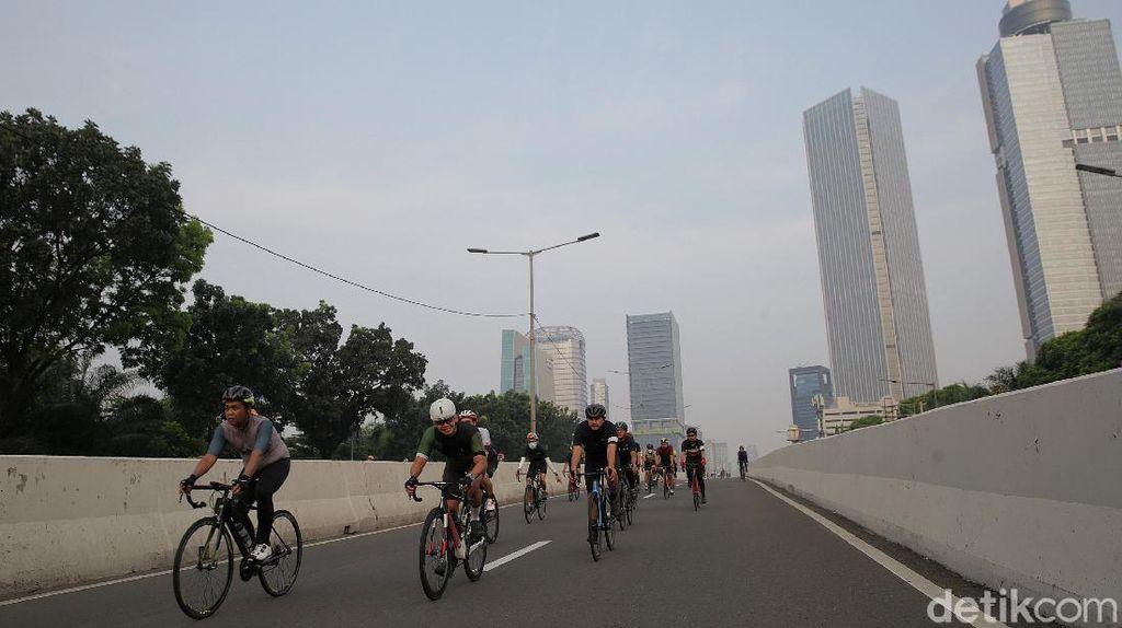 Ada Uji Coba Road Bike, JLNT Kp Melayu-Tanah Abang Ramai Pesepeda