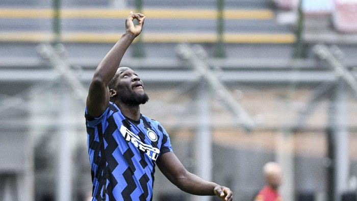 Inter Milans Romelo Lukaku celebrates after scoring during the Serie A soccer match between Inter and Udinese, at the San Siro stadium in Milan, Italy, Sunday, May 23, 2021. Inter won its first Serie A title in 11 years this month. (Piero Cruciatti/LaPresse via AP)