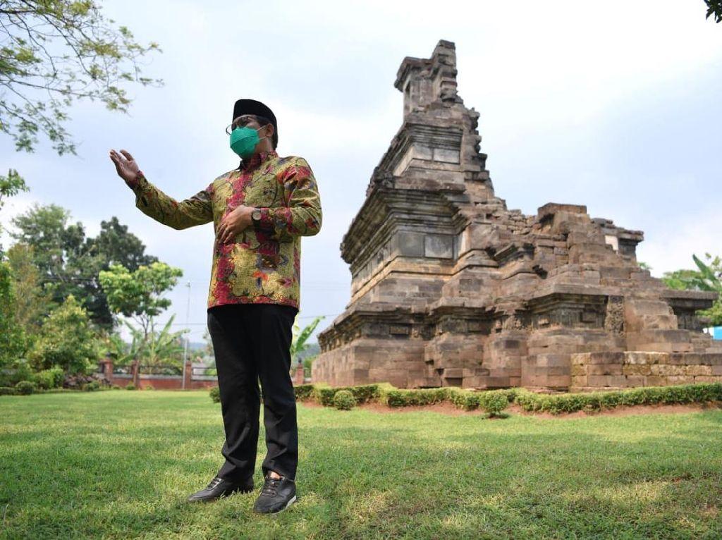 Sambangi Candi Rimbi di Jombang, Mendes: Harus Terus Dilestarikan