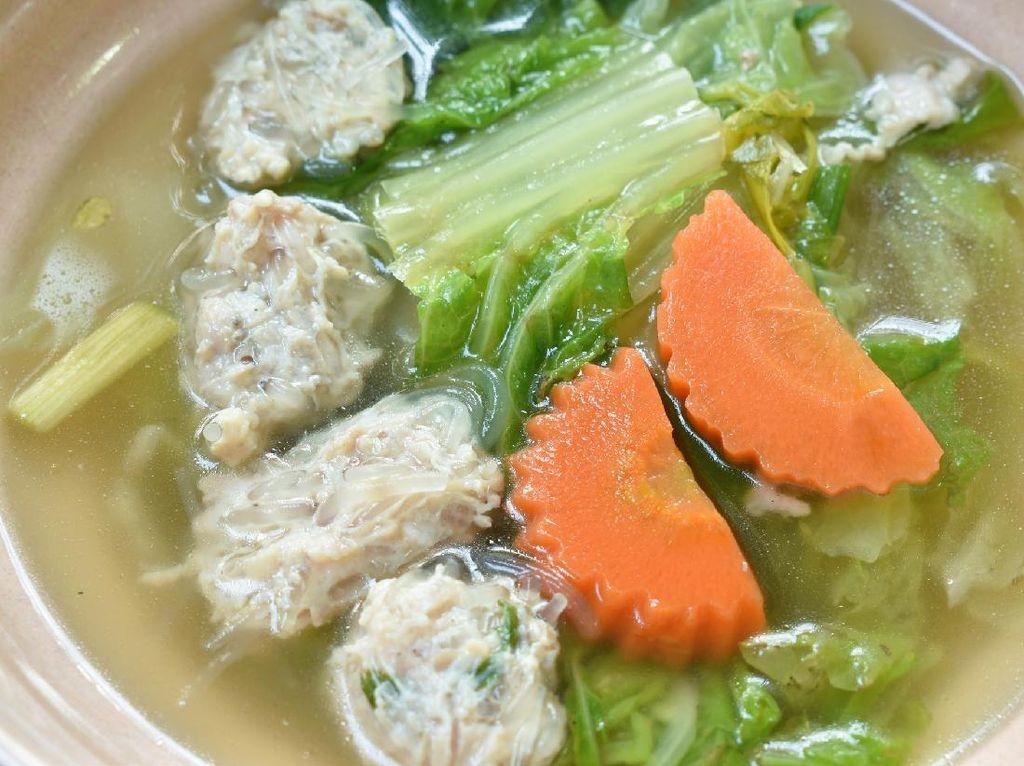 Resep Bakso Ayam Suun Kuah Sayuran yang Gurih Segar