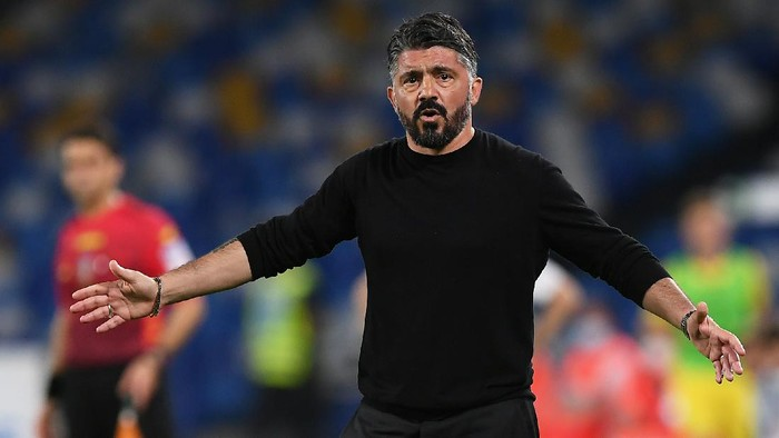 NAPLES, ITALY - MAY 23: Gennaro Gattuso, Head Coach of SSC Napoli reacts during the Serie A match between SSC Napoli and Hellas Verona FC at Stadio Diego Armando Maradona on May 23, 2021 in Naples, Italy. Sporting stadiums around Italy remain under strict restrictions due to the Coronavirus Pandemic as Government social distancing laws prohibit fans inside venues resulting in games being played behind closed doors.  (Photo by Francesco Pecoraro/Getty Images)