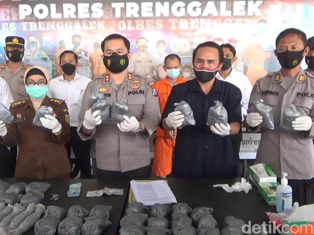 Dua Warga Jombang Ditangkap Jual 25 Kg Bahan Peledak untuk Petasan