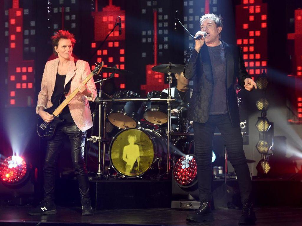 Ketinggalan Billboard Music Awards 2021? Jangan Lewatkan Siaran Ulangnya