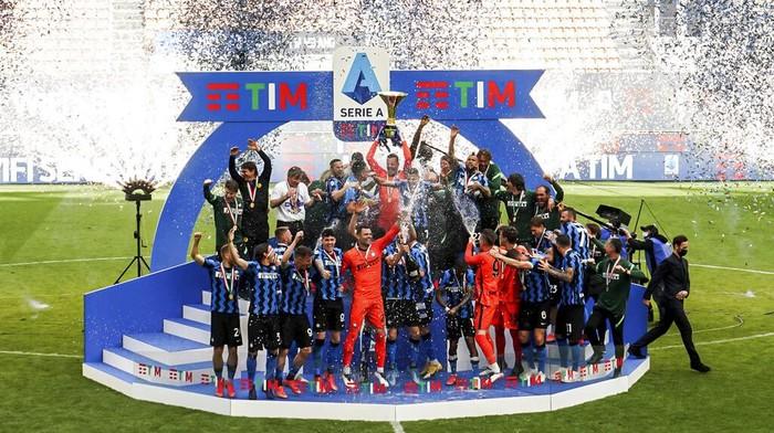 Inter Milan menjadi juara Liga Italia 2020/21 usai menang telak 5-1 atas Udinese.