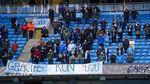 Foto: Man City Angkat Trofi Juara Liga Inggris & Beri Tribute ke Aguero