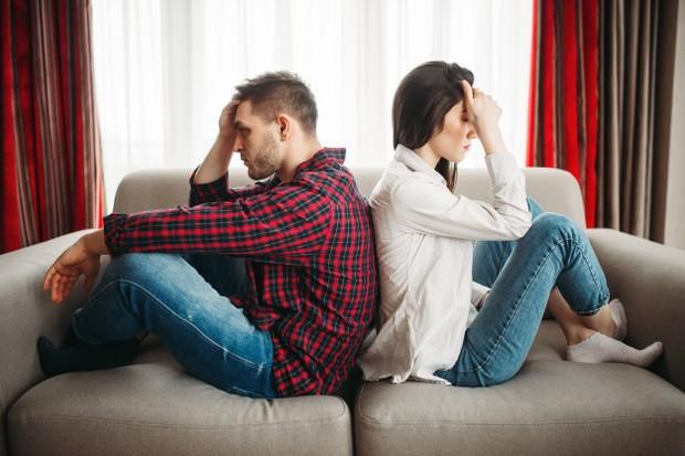 Jika kamu merasa enggak diterima seutuhnya oleh pasangan, ini merupakan tanda bahwa hubunganmu enggak akan langgeng.