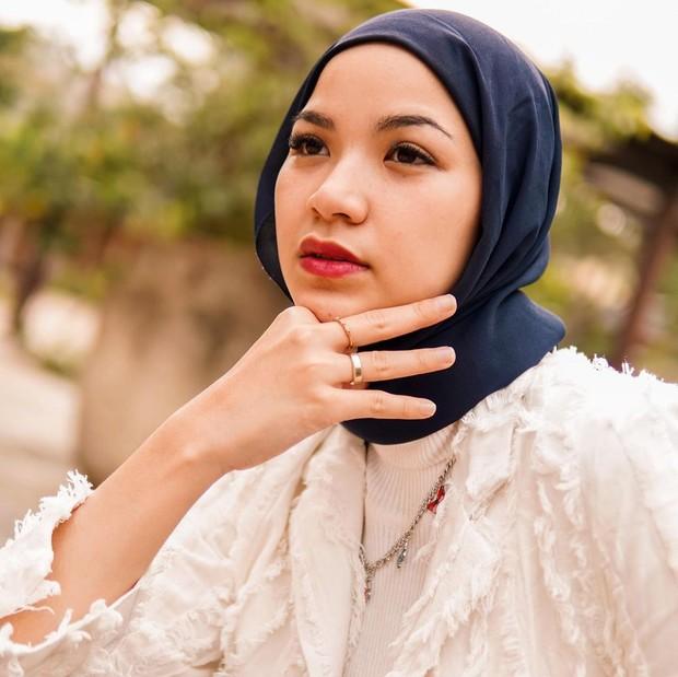 Marsha Natika adik Zaskia Adya Mecca juga mantap mengenakan hijab/instagram.com/marshanatika