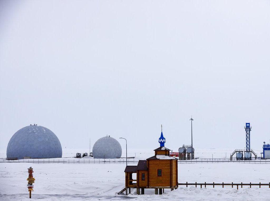 Menteri Rusia Tewas Saat Selamatkan Orang di Kutub Utara