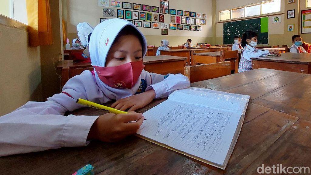 Menengok Pelaksanaan Simulasi PTM TK, SD, SMP di Cimahi