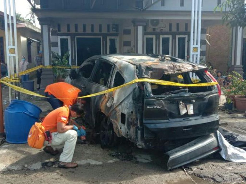 Polisi Buru Pembakar Mobil Anggota DPRD Tapteng Sumut
