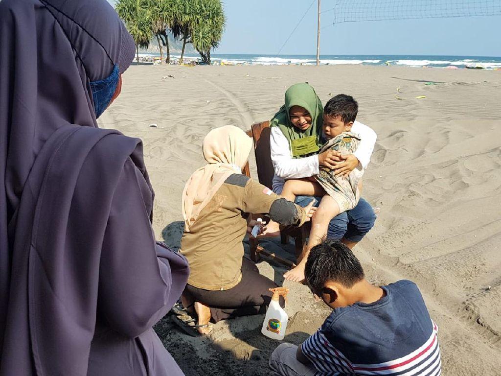 Selama Weekend, 50 Wisatawan Jadi Korban Sengatan Ubur-ubur di Parangtritis