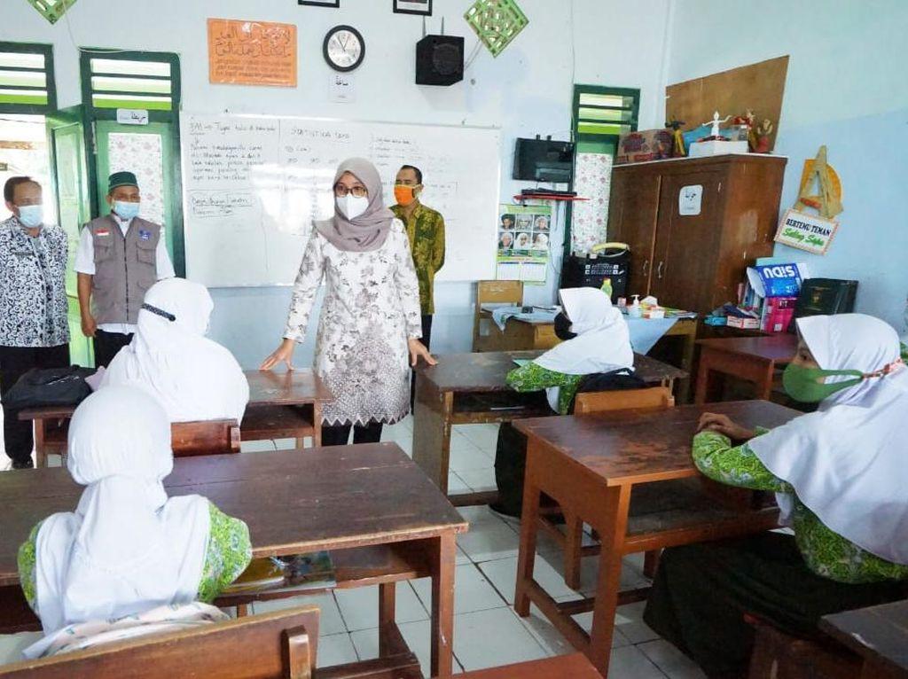 Pemkab Banyuwangi Jemput Bola Pelajar Kurang Mampu Jelang PPDB