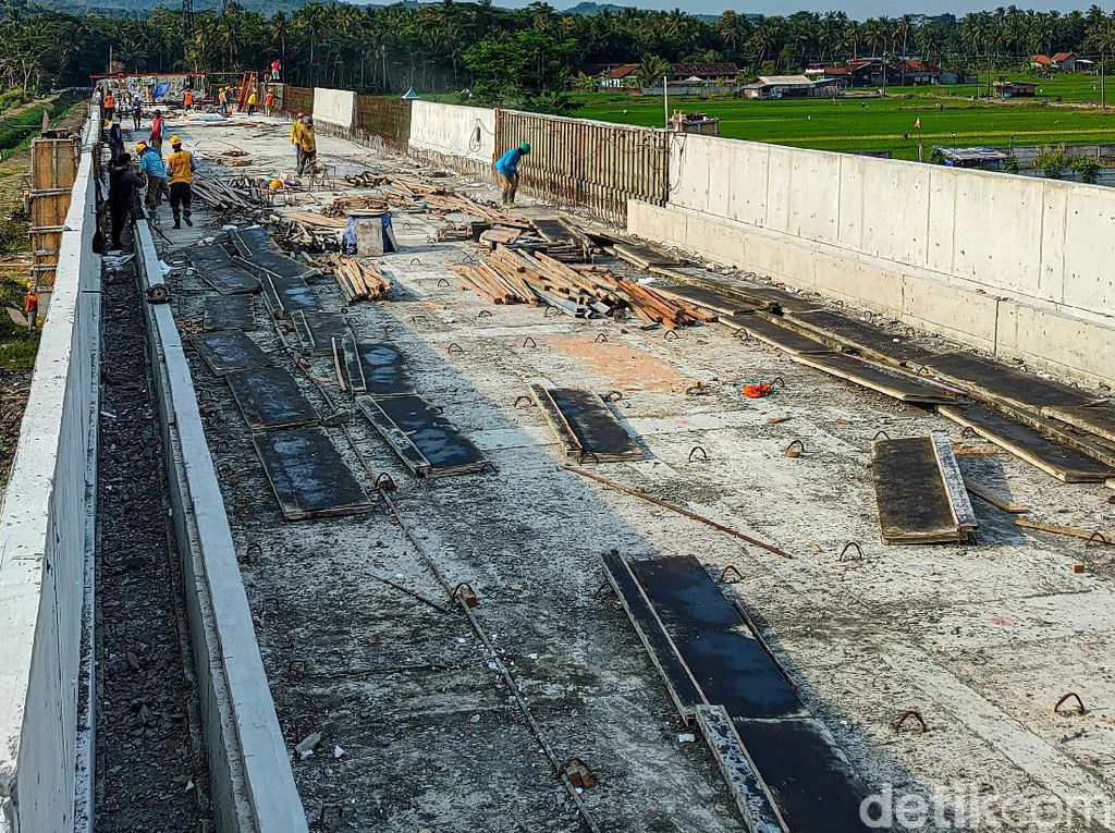 Progres 90 Persen, Uji Coba Jalur KA Bandara YIA Ditarget Juli