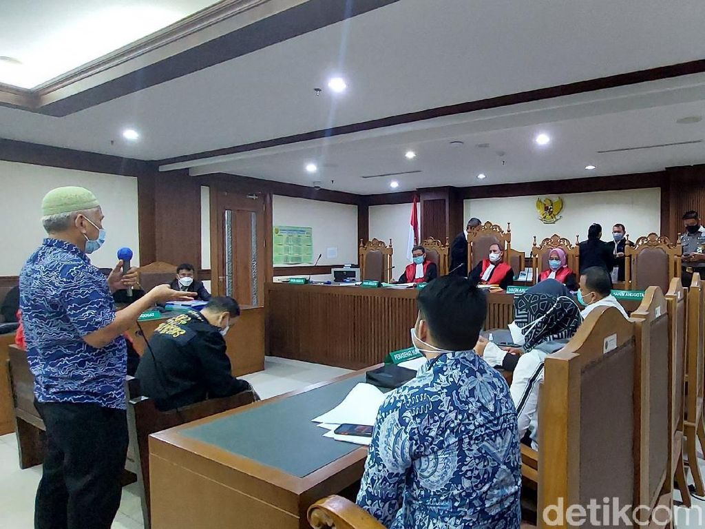 Sidang Gugatan Minta Jokowi Mundur Ditunda 7 Juni