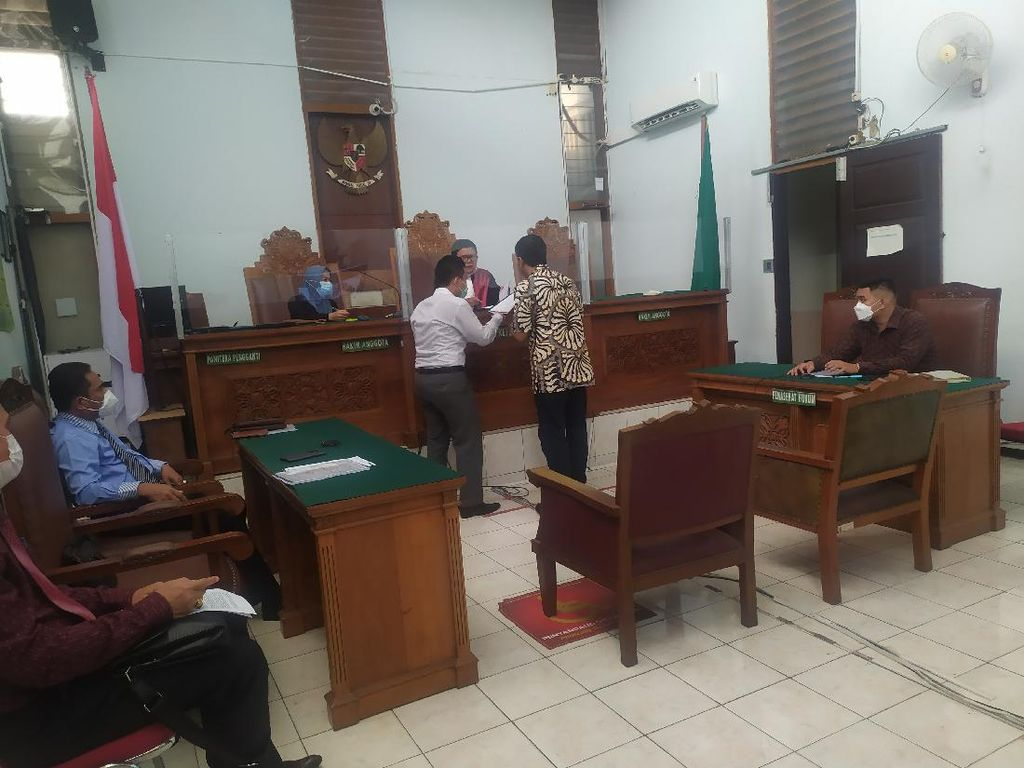 RJ Lino Bakal Hadapi Sidang Putusan Praperadilan Besok