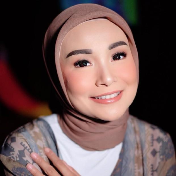Soraya Larasati mantap mengenakan hijab sejak tahun 2015/instagram.com/sorayalarasat1