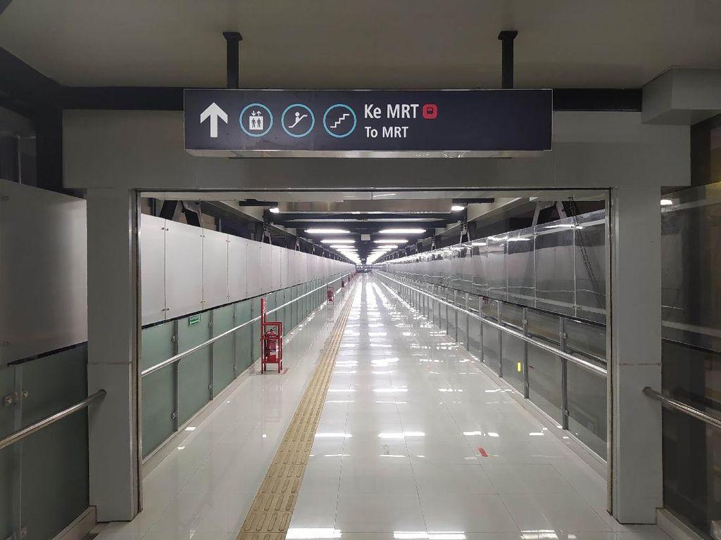 Sudah Dibuka, Jembatan Layang Stasiun MRT ASEAN Masih Sepi