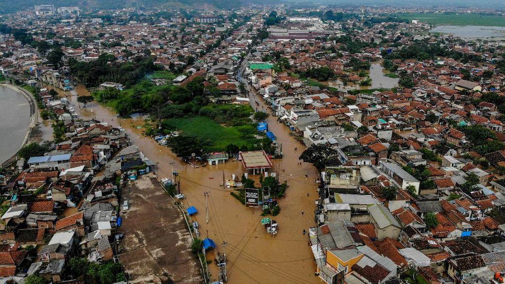 Potret Udara Banjir di Bandung Akibat Luapan Sungai Citarum