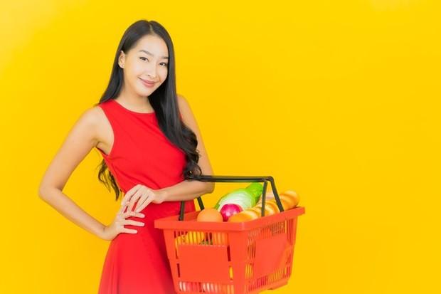 Belanja dengan Keranjang Dibandingkan Troli