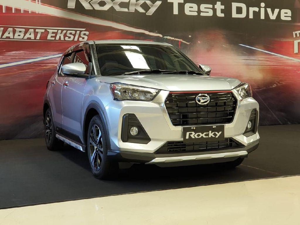 Daihatsu Luncurkan Rocky 1.2, Ini Harganya