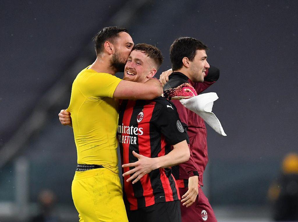 Donnarumma Sudah Pamitan dengan Pemain-pemain AC Milan