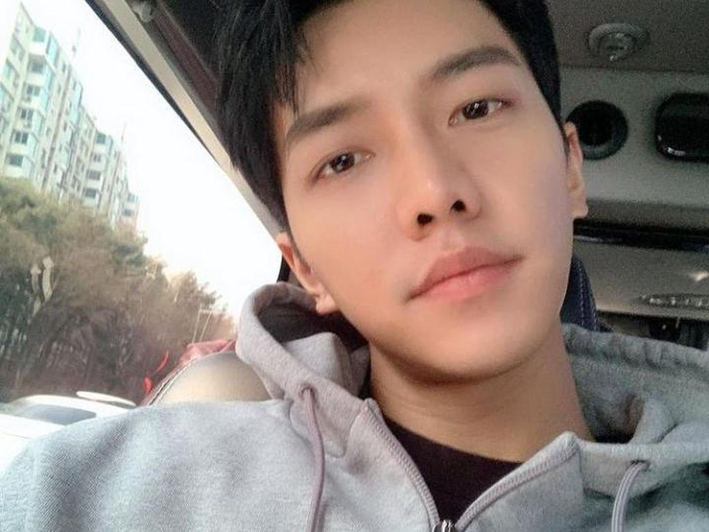 Lee Seung Gi Ungkap Kabar Pacaran dengan Lee Da In, Ini Katanya