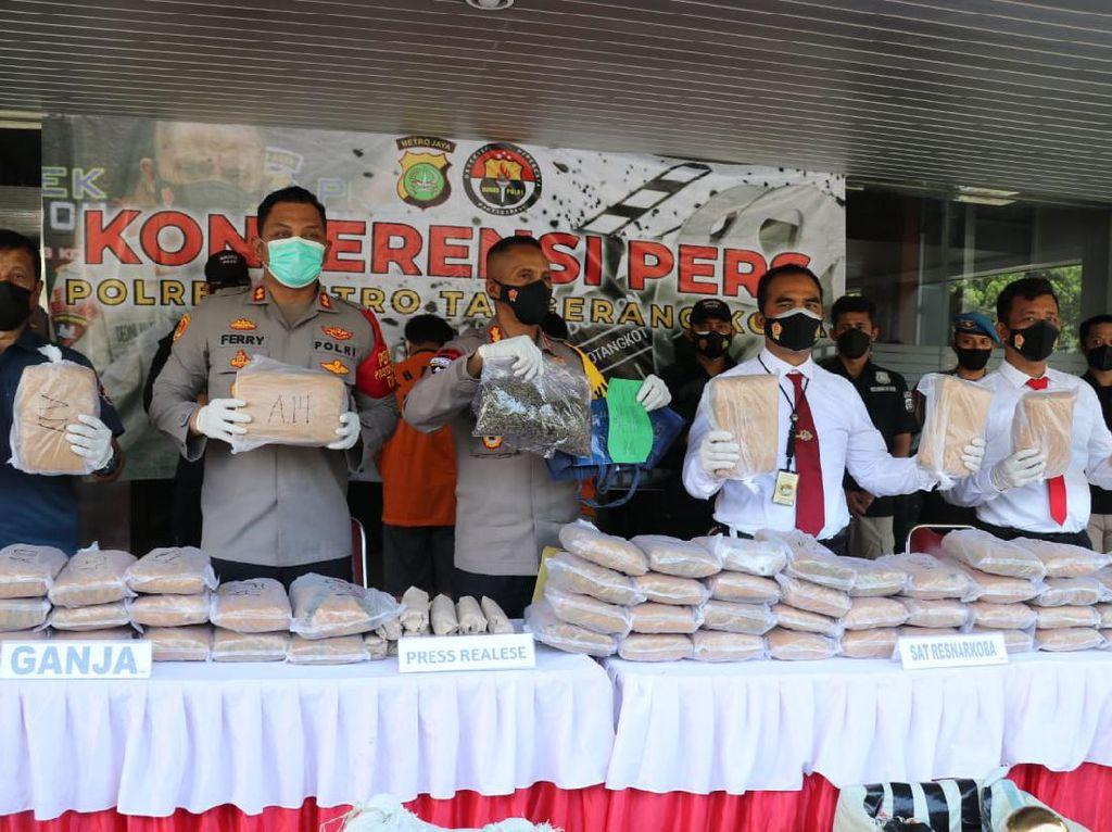 Polisi Bongkar Peredaran 65 Kg Ganja di Tangerang-Jakpus, Modus Kirim Via Paket