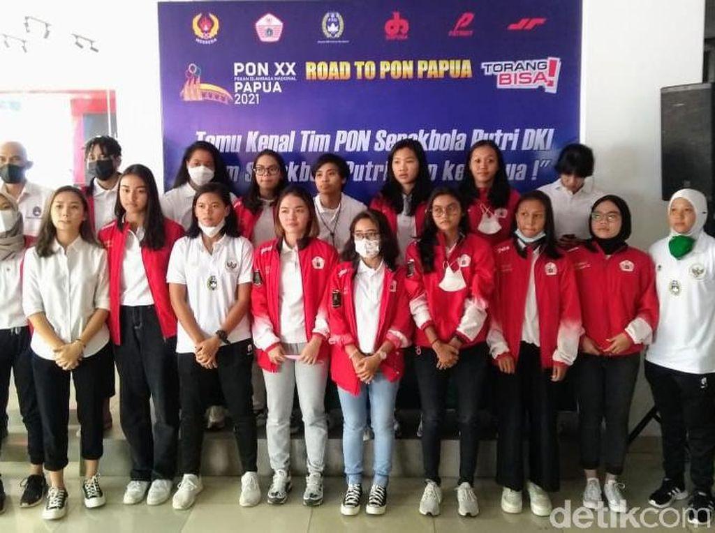 Target Emas di PON, Sepakbola Putri DKI Juga Promosi Papua Aman