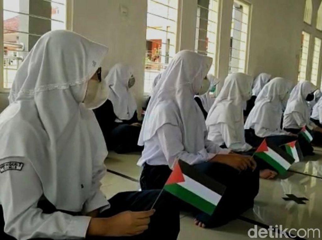 Siswa di Ciamis Gelar Doa Bersama-Galang Dana Untuk Palestina