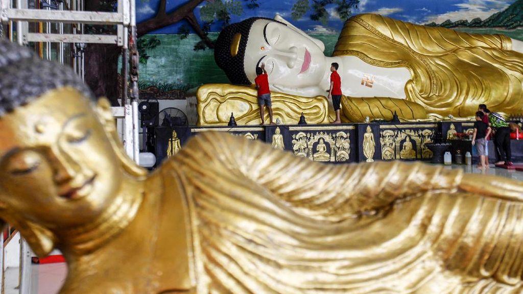 Vihara di Bogor Bersolek Sambut Waisak