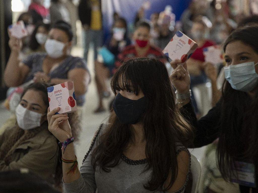 Wanita Brasil Dapat Sumbangan Pembalut Kala Pandemi