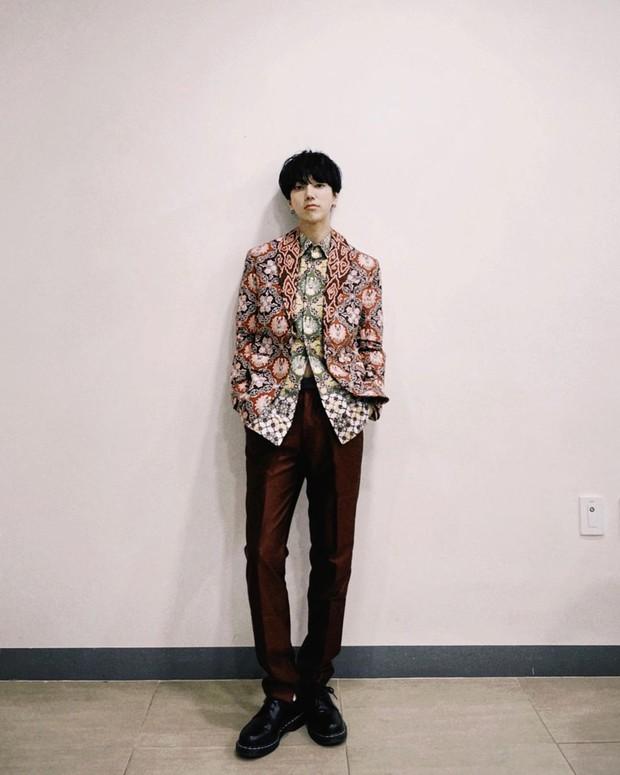 Yesung Menggunakan Pakaian Batik/instagram.com/yesung1106