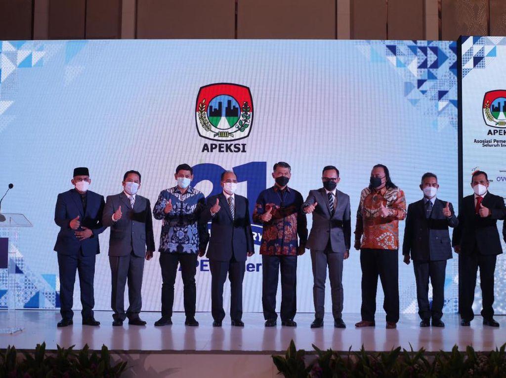 Jokowi Minta Apeksi Sinergi Atasi COVID-19 & Pulihkan Ekonomi Nasional