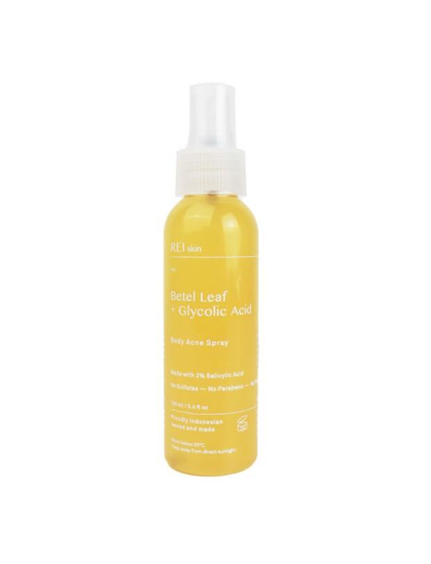 Betel Leaf + Glycolic Acid Body Acne Spray
