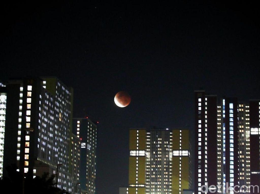 Melihat Lagi Gerhana Bulan Total dari Berbagai Wilayah Indonesia