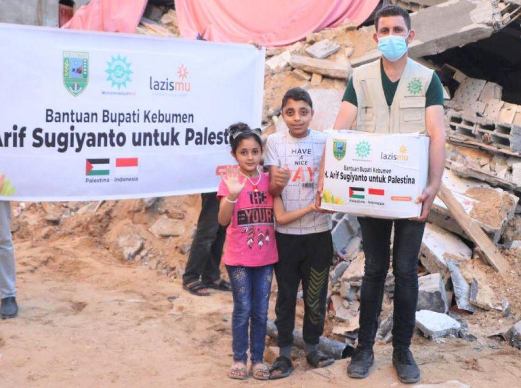 Bupati Kebumen Donasikan Gajinya untuk Bantu Warga Palestina