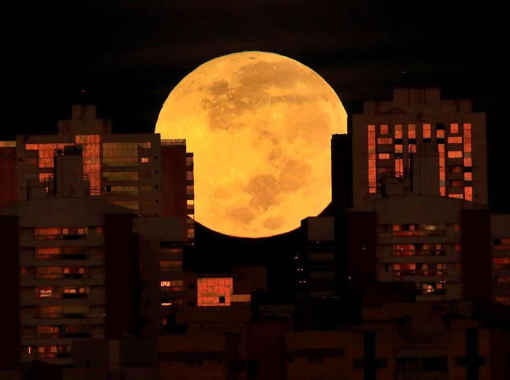 Wow, Begini Potret Super Blood Moon di Brasil