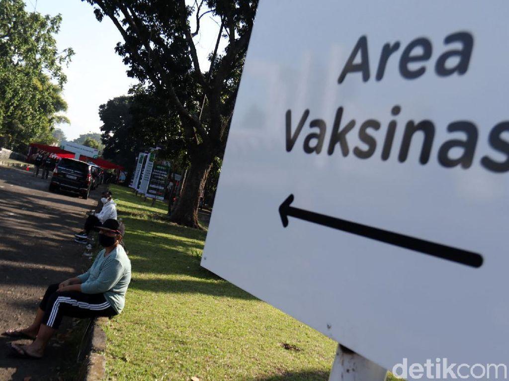 KPCPEN Klaim Cakupan Vaksinasi Corona RI Lebih Tinggi dari Negara ASEAN Lain