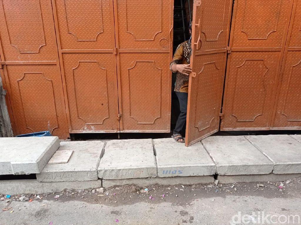 Masalah Got Halangi Pintu Rumah Warga di Jakbar Belum Tuntas