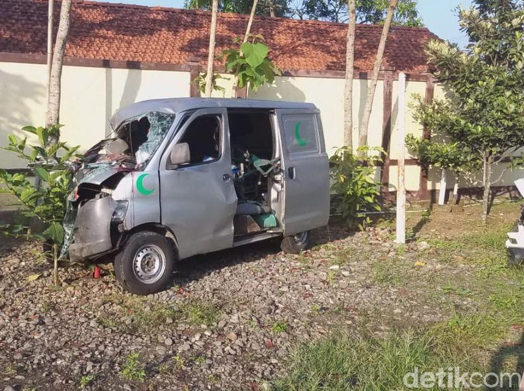 Ini Dia Identitas Korban Kecelakaan Maut Ambulans Jenazah di Brebes