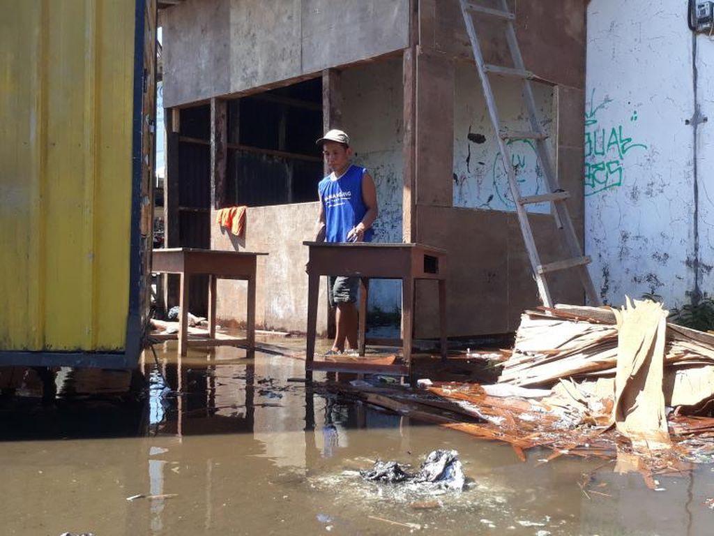 Banjir Rob Rendam Pesisir Pasuruan, Air Masuk Perkampungan dan Pelabuhan