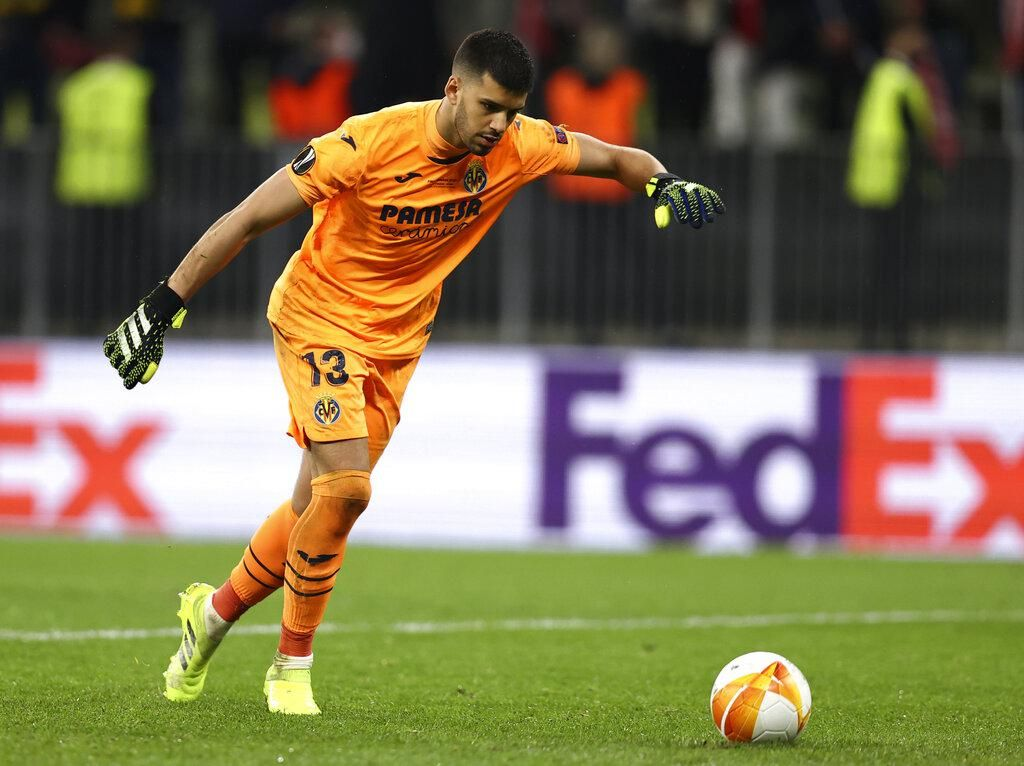 Jurus Kiper Villarreal Saat Tendang Penalti: Asal Kencang, Semoga Gol