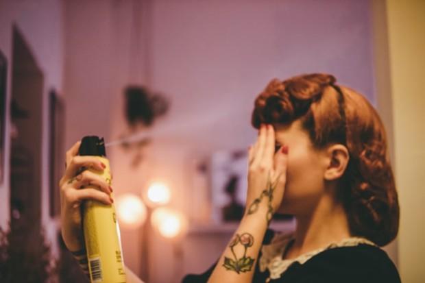 Dry shampoo digunakan stylist untuk menambah grip