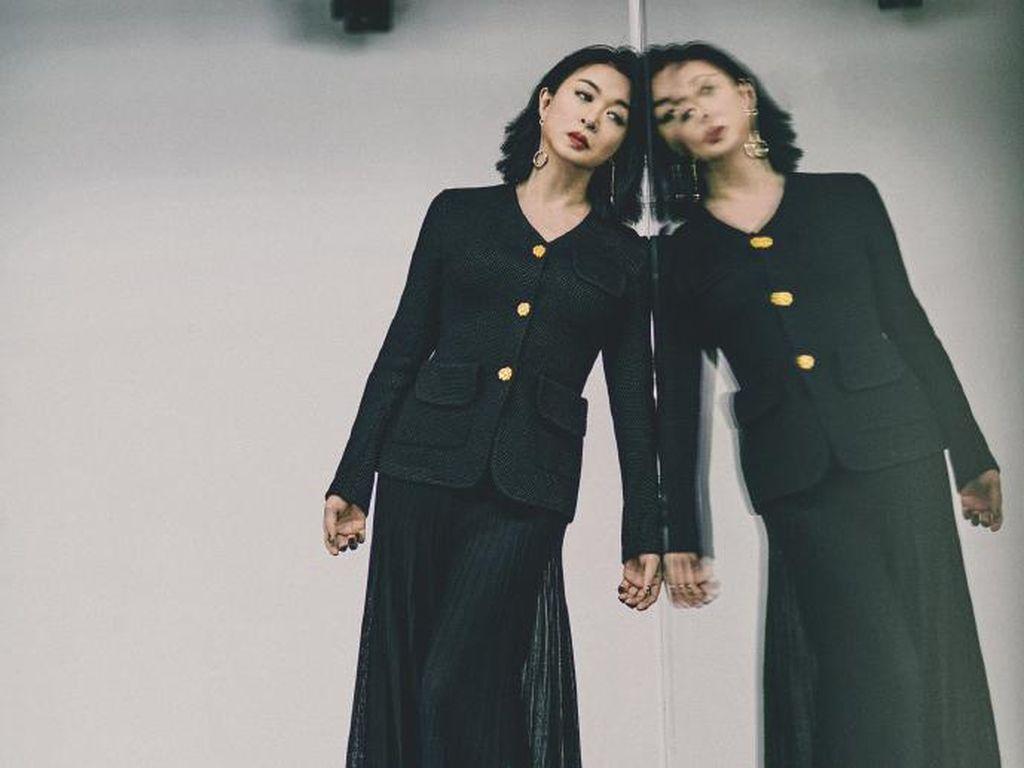 10 Foto Transgender China Berlidah Tajam yang Jadi Model Dior