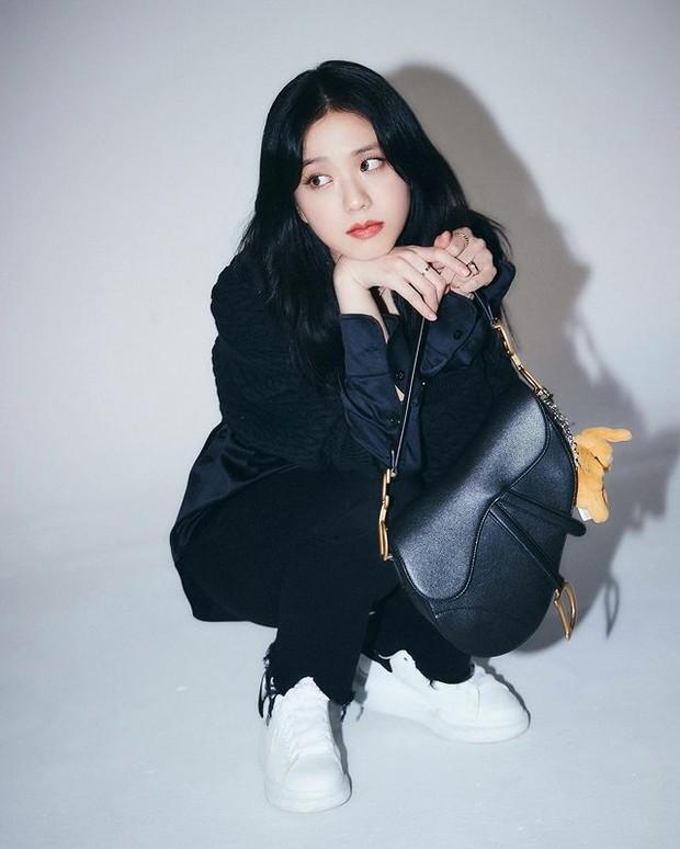 Jisoo Blackpink menjadi brand ambassador Dior (foto: instagram.com/sooyaaa__)