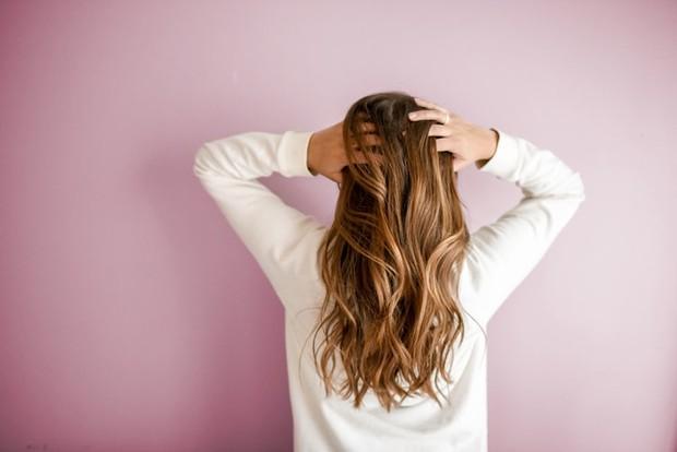Dry shampoo bisa menambahkan tekstur pada rambut