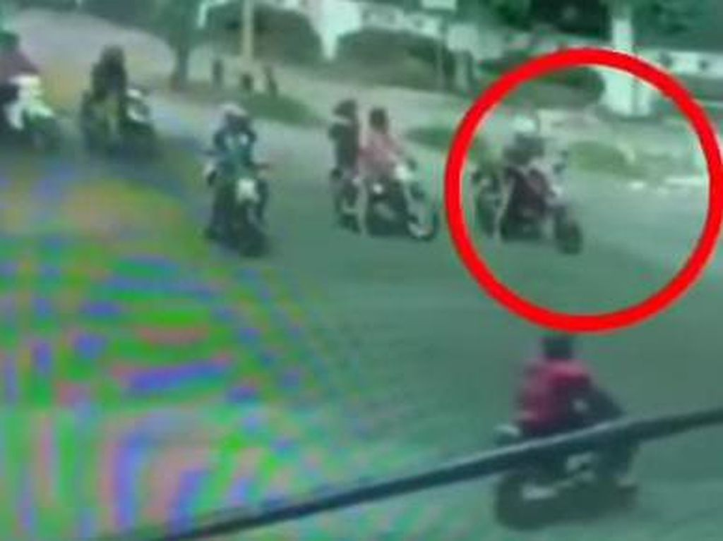 Ngerinya Medan, Pelaku Begal Tusuk Pemotor di Tengah Jalanan Ramai